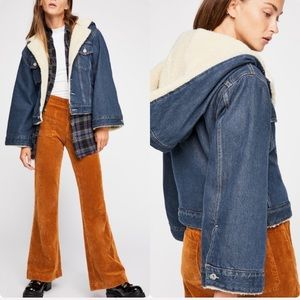 Levi's LMC Cropped Sherpa Trucker Denim Jacket XS